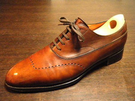 靴磨き ¥2,000(修理と一緒なら半額の1000円です)