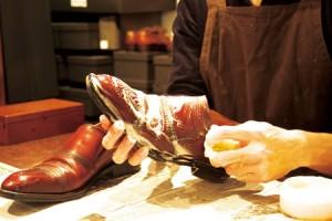 こちらは紳士靴の水洗い。