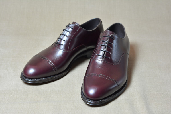 3.Cap brogue oxfords_Smooth_BGD正面
